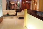 Le Royce Hotel