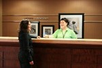 Отель Hampton Inn & Suites® Newtown