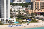 Отель DoubleTree by Hilton Ocean Point Resort & Spa Sunny Isles