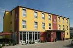 Отель Come In Hotel