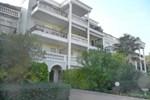 Отель Apartment Les Grands Coteaux
