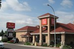 Отель Econo Lodge Inn and Suites Lethbridge
