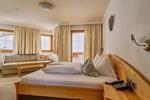 Отель Hotel Garni Chasa Nova