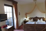 Отель Hotel-Pension Landhaus zur Aue