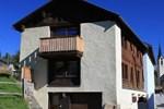 Апартаменты Chasa 107 Guarda