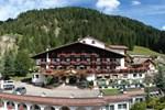 Отель Hotel Cesa Tyrol