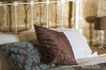 Мини-отель The Burrow Host Family Bed & Breakfast