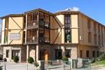 Отель Hotel Valle del Jerte Los Arenales