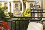 Отель Radisson Blu Champs-Elysées, Paris