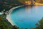 Отель Lichnos Beach