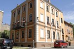 Knights Court