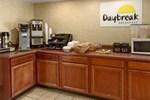 Отель Days Inn Greensboro Airport