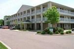 Отель Crossland Economy Studios Detroit-Livonia