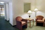 Отель Howard Johnson Inn and Suites Lake City FL