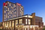 Отель Sheraton Overland Park Hotel at the Convention Center