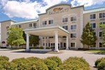 Отель Baymont Inn & Suites Grand Rapids North Walker