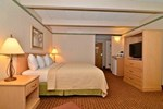 Отель Baymont Inn And Suites Lake Of The Ozarks