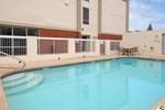 Отель Days Inn & Suites Ridgeland