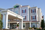 Отель Holiday Inn Express Hotel & Suites Amherst-Hadley