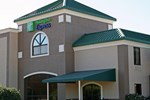 Отель Holiday Inn Express Hotel & Suites SPRING LAKE-FT. BRAGG POPE AFB