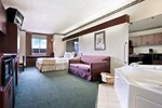 Отель Microtel Inn & Suites Green Bay