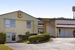 Super 8 Motel - North East Erie Area