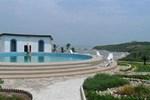 Отель Biriwa Beach Hotel