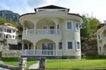 Отель Lakestone Villa