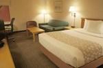 Отель La Quinta Inn & Suites St. Albans