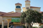 Отель La Quinta Inn & Suites Atlanta Perimeter Medical