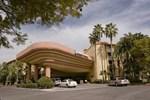 Отель Embassy Suites Phoenix - Biltmore