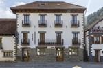 Отель Hostal Auñamendi