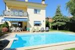 Апартаменты Holiday home Can Feliu De Manola Pineda De Mar
