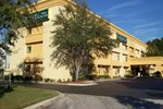 Отель La Quinta Inn & Suites Jacksonville Mandarin