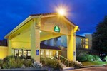Отель La Quinta Inn & Suites Redding
