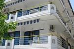 Апартаменты Theo Apartments