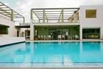 Апартаменты Athina Beach Hotel