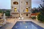 Вилла Villa Ahlades