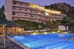 Отель Maxine Hotel