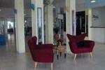 Отель Breezes Curacao