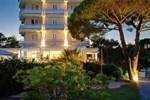 Отель Hotel Garden Sea