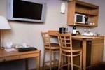 Отель Wyndham Glenview Suites