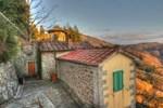 Отель Apartment Borgo delle Fate I Loro Ciuffenna