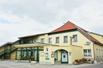 Гостевой дом Gasthof Hofbauer - Zur weißen Rose