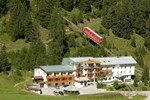 Отель Pistenhotel Lizumerhof
