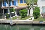 Апартаменты Holiday Home Port Grimaud Port Grimaud