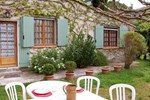 Апартаменты Holiday Home Les Lauriandes Les Baux de Provence