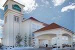 Отель La Quinta Inn & Suites Shawnee