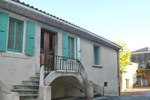 Апартаменты Holiday Home Rue Des Fleurs Lagrasse