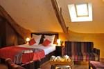 Отель Hotel O2B Aux Berges de Brocéliande